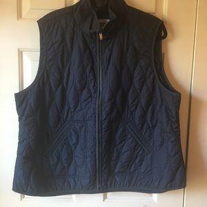 Lightweight puffy vest